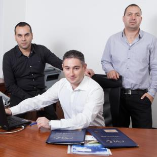 השותפים במשרד